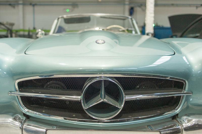 Frontal Mercedes clásico