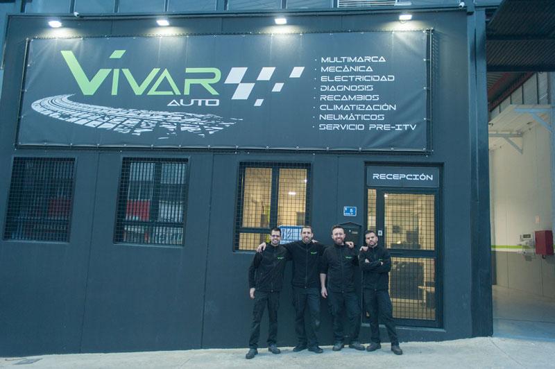 El equipo VivarAuto y nuestras instalaciones